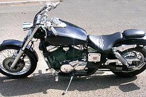 honda-vt-750-black-widow